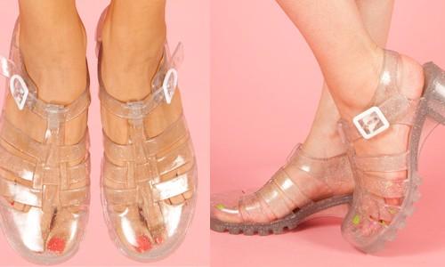sandal lạ