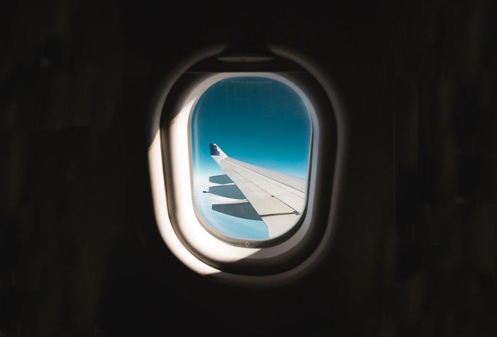 Tips chăm sóc da bạn nên biết trong những chuyến bay đường dài