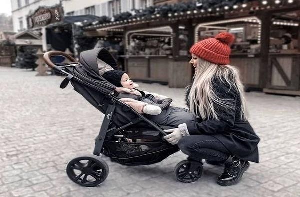 Những mẫu xe đẩy trẻ em được mua nhiều nhất 2020