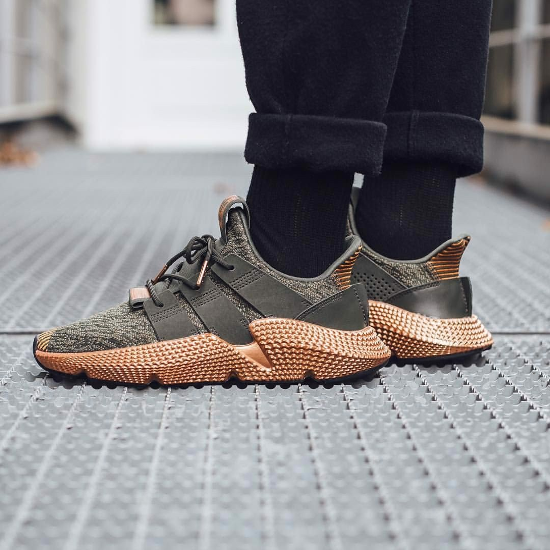 https://authentic-shoes.com/blogs/news/tat-tan-tat-ve-adidas-prophere