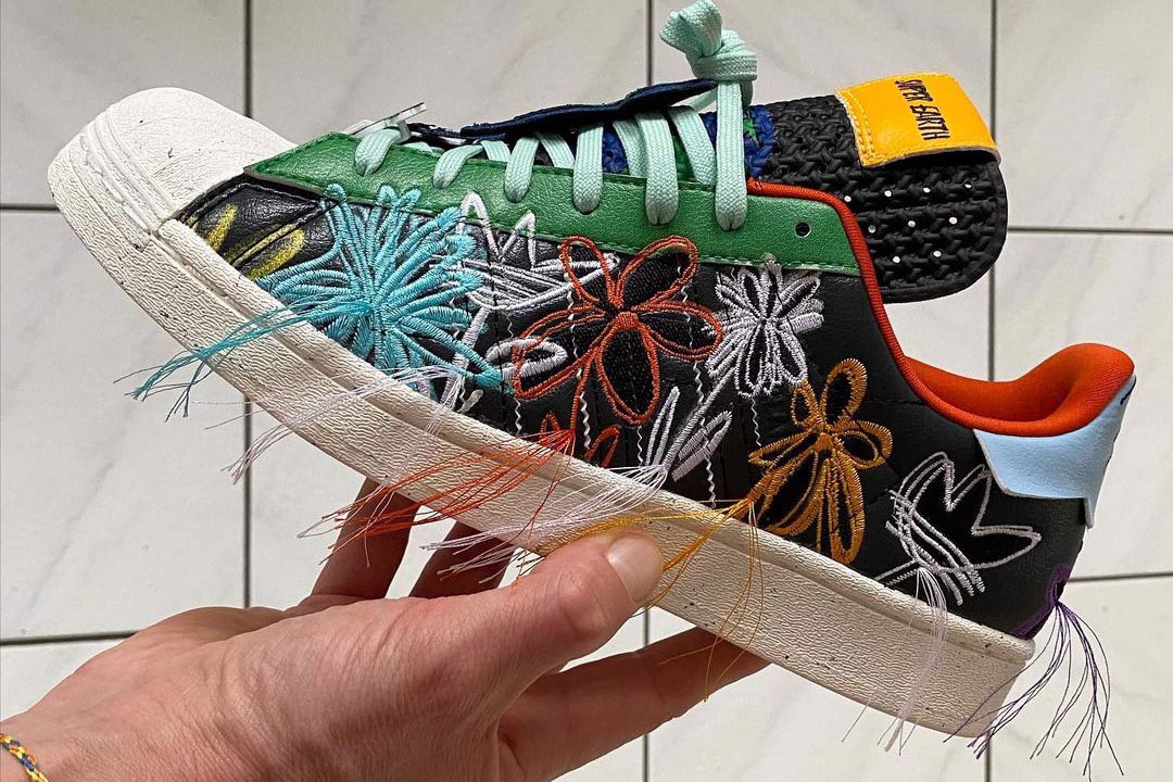 https://authentic-shoes.com/blogs/news/sean-wotherspoon-va-adidas-superstar-superearth-se-phat-hanh-phoi-mau-thu-hai-trong-thoi-gian-toi