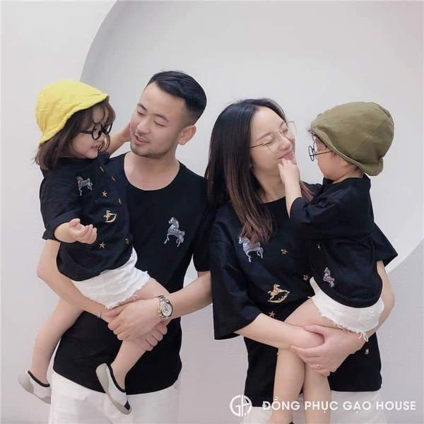2_Áo gia đình hạnh phúc