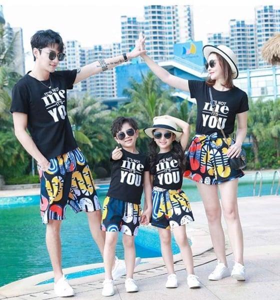 1_áo gia đình đi biển đẹp 2020