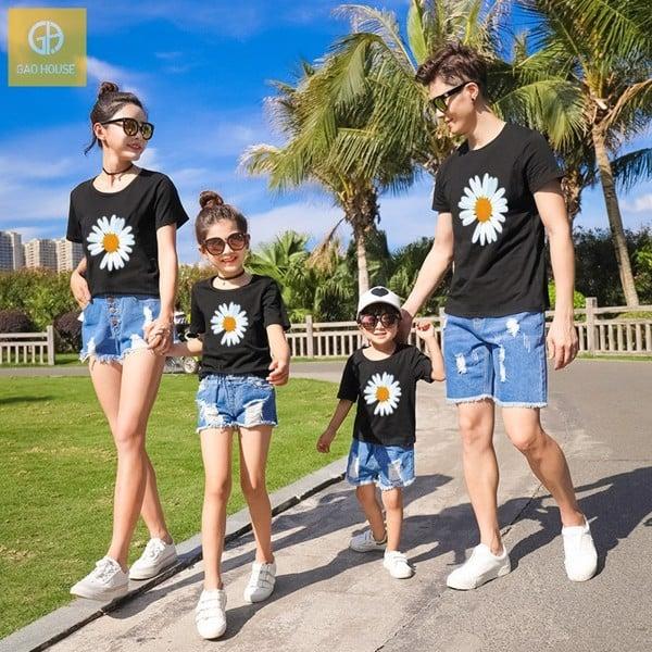 Áo gia đình đi biển hoa cúc