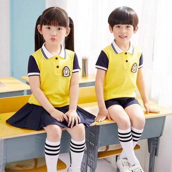 Đồng phục học sinh tiểu học màu vàng