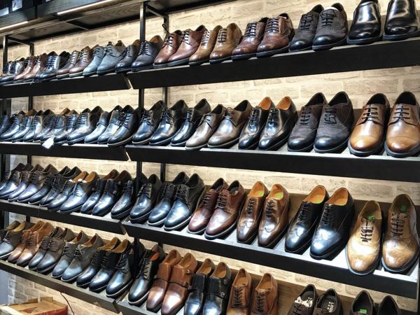 Nam Chi là địa chỉ bán giày big size uy tín tại Hà Nội