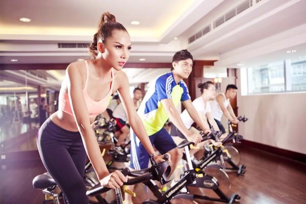 Bài tập ngồi đạp xe có tác động chủ yếu đến phần cơ mông và cơ đùi