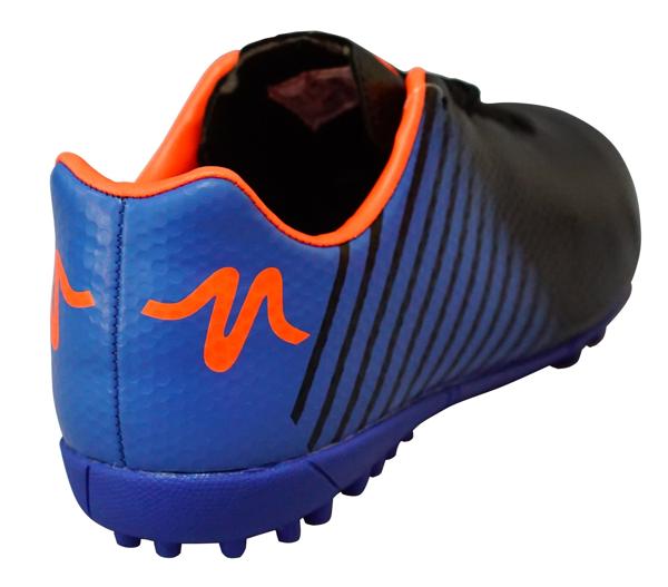 Mẫu giày đá bóng của Động Lực