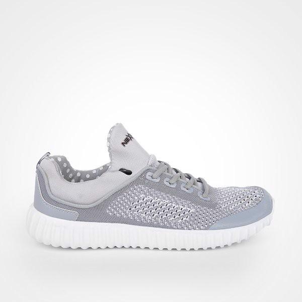 Phấn đế giày chạy bộ được thiết kế phù hợp với bộ môn này