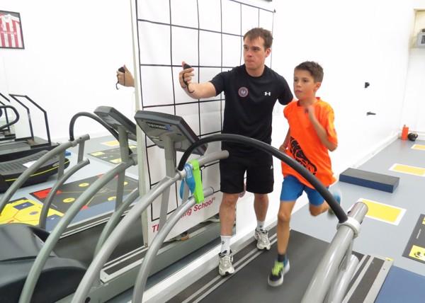 Trẻ em dậy thì nên tập luyện với máy chạy bộ