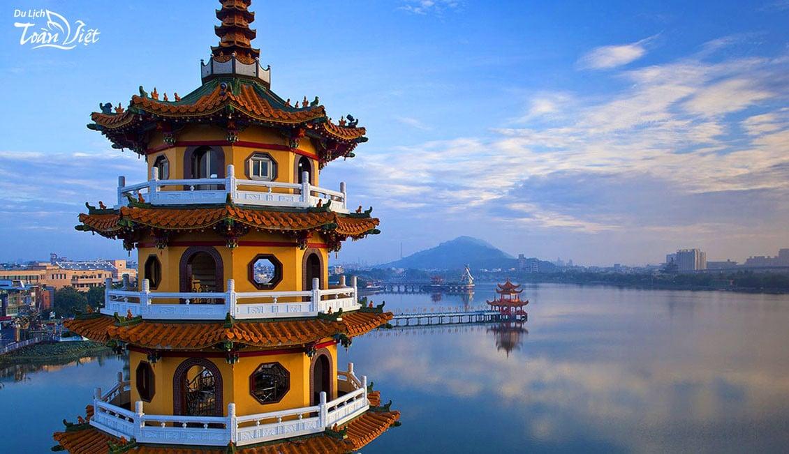 Du lịch Đài Loan tham quan Đền Long Hổ