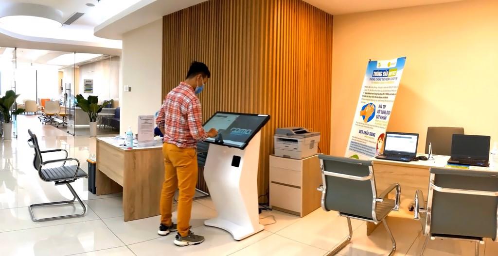 Kiosk Y te Kiosk hanh chinh cong kiosk thong tin kiosk tra cuu thong tin ComQ (23)