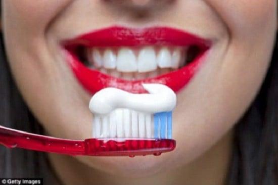 Kem đánh răng Median Hàn Quốc