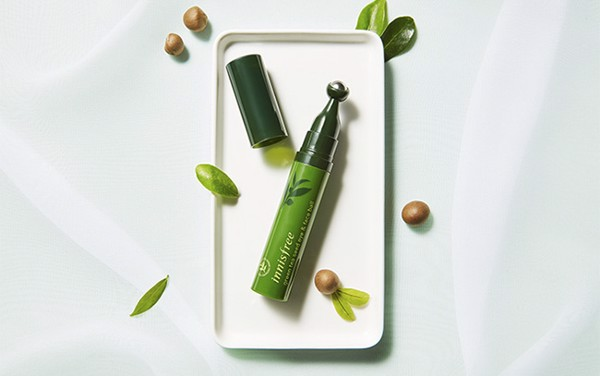 Thanh lăn dưỡng mắt Innisfree Green Tea Seed Eye and Face Ball