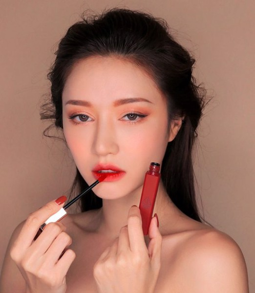 Son 3CE Cloud Lip Tint màu Macron Red