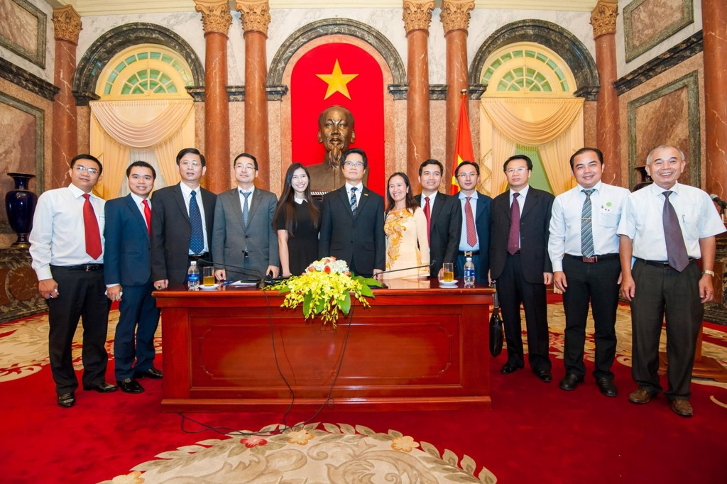Chairman - General Director of Trung Thanh, Mr. Phi Ngoc Chung took part in the meeting with Mr. Truong Tan Sang, President of the Socialist Republic of Viet Nam on the day of Vietnamese Businessman