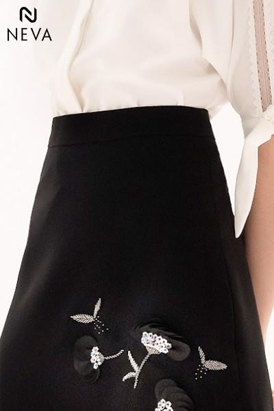 Chân váy chữ A đen