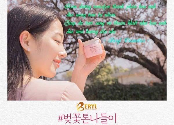 Kem dưỡng ẩm trắng da Innisfree Jeju Cherry Blossom Tone Up Cream