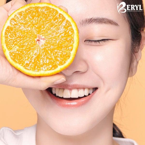 Nước Hoa Hồng Dưỡng Trắng Da Innisfree Brightening Pore Skin 150ml