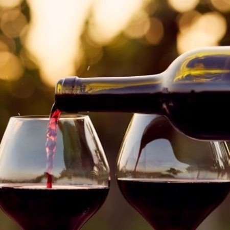 12 reasons you should drink a glass of wine every day