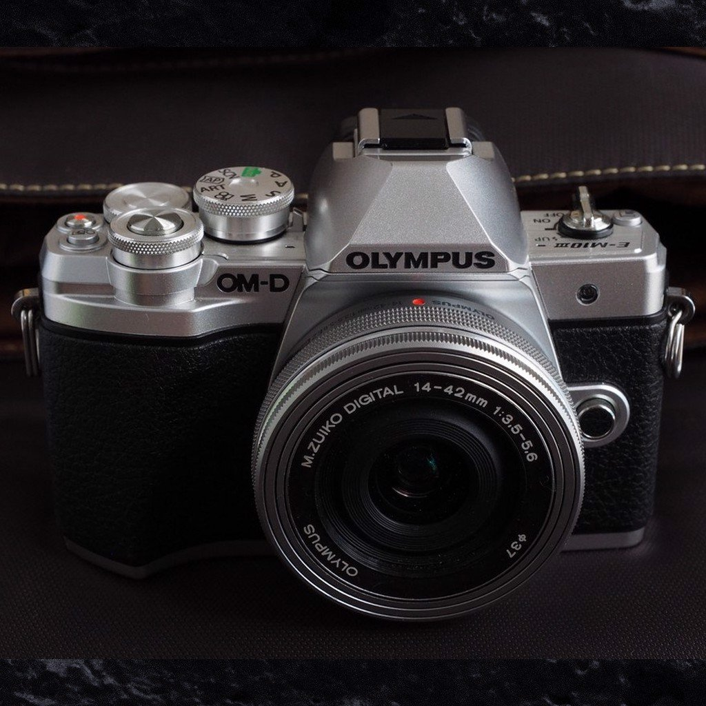 olympus-e-m10-mark-iii-co-gi-moi