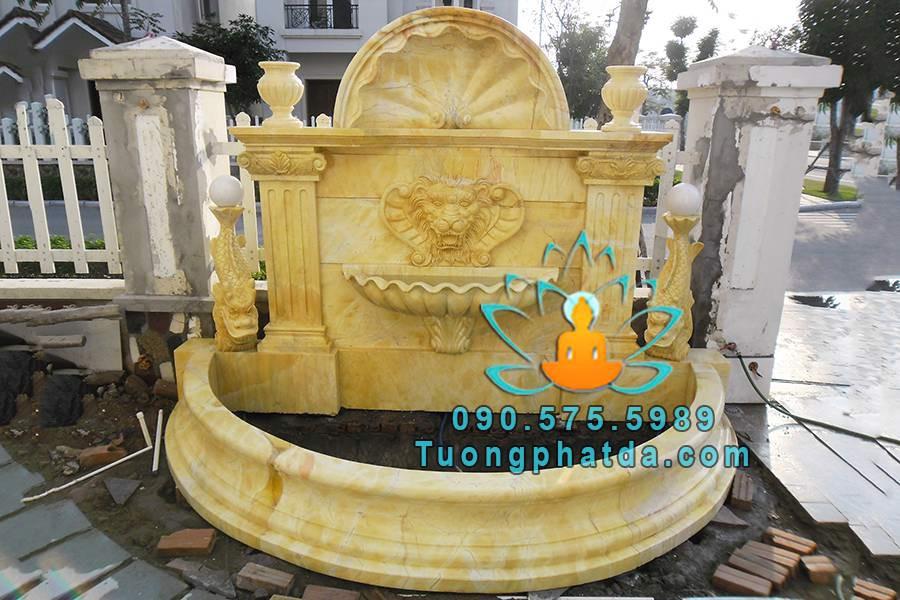 Đài phun nước sư tử bằng đá vàng đẹp áp tường