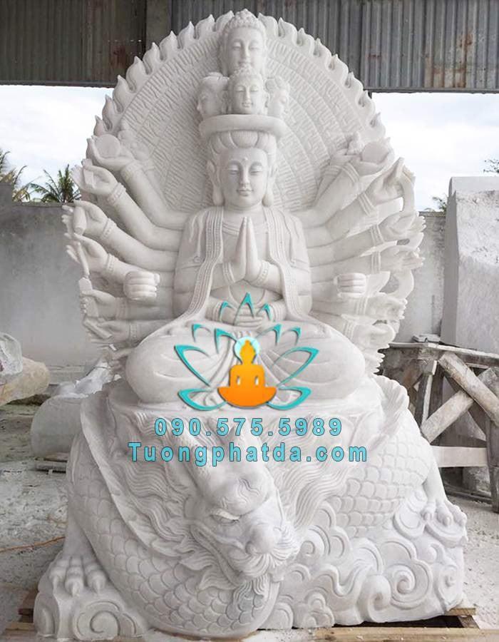 Tuong-phat-ba-quan-am-nghin-mat-nghin-tay-cuoi-rong-da-non-nuoc