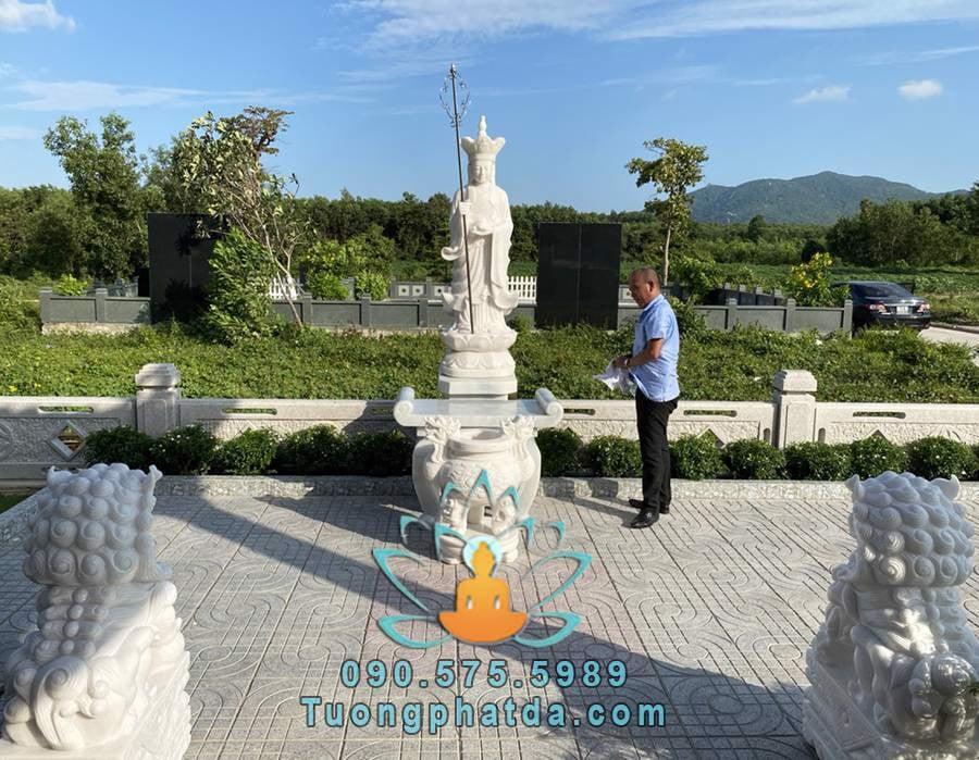 Tượng địa tạng vương bồ tát đá để nghĩa trang