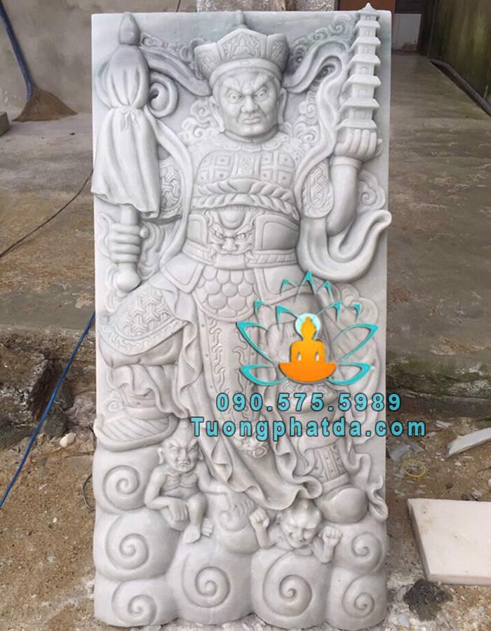 Tuong-tu-dai-thien-vuong-bang-da-cam-thach-dep-da-nang (1)