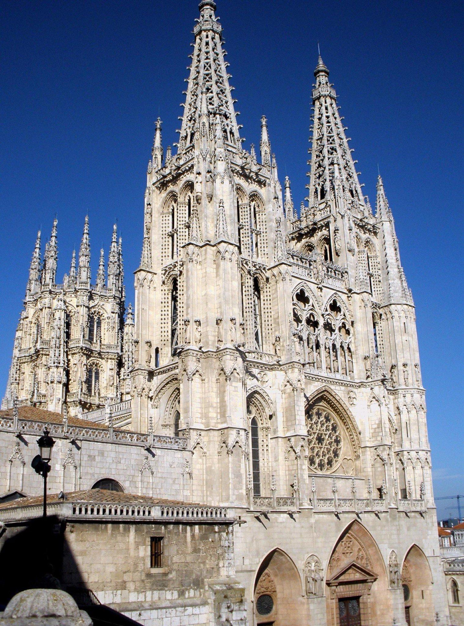 Nhà thờ Chính Tòa Burgos – Nhà Thờ được Unesco công nhận là di sản thế giới.