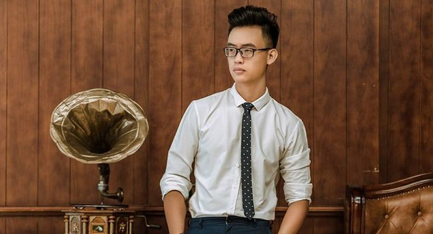 Vietnamese business man sets up company in the US selling Made-in-Vietnam shoes to the world