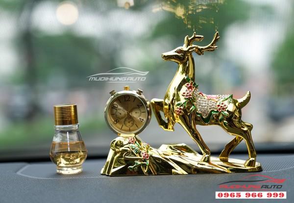 Tuần Lộc may mắn trang trí xe hơi có dầu thơm  10