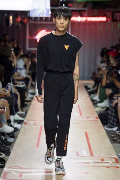 BST Li-Ning Xuân Hè 2019 tại Tuần lễ thời trang Paris