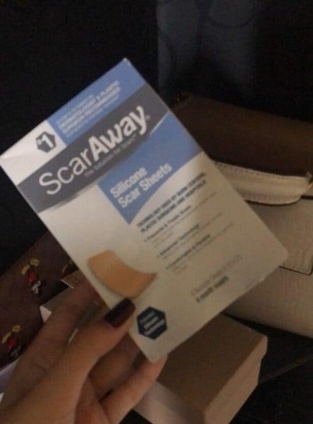 Miếng dán trị sẹo ScarsAway Silicone Scar Sheets có công dụng gì