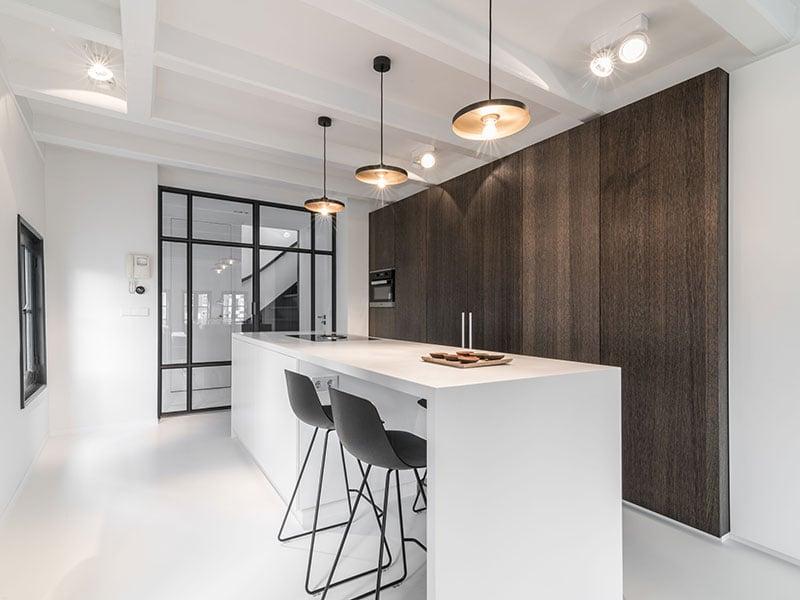 Không gian nấu trở nên tuyệt vời khi ứng dụng phong cách tối giản kết hợp với đá nhân tạo LG Hausys mã S028