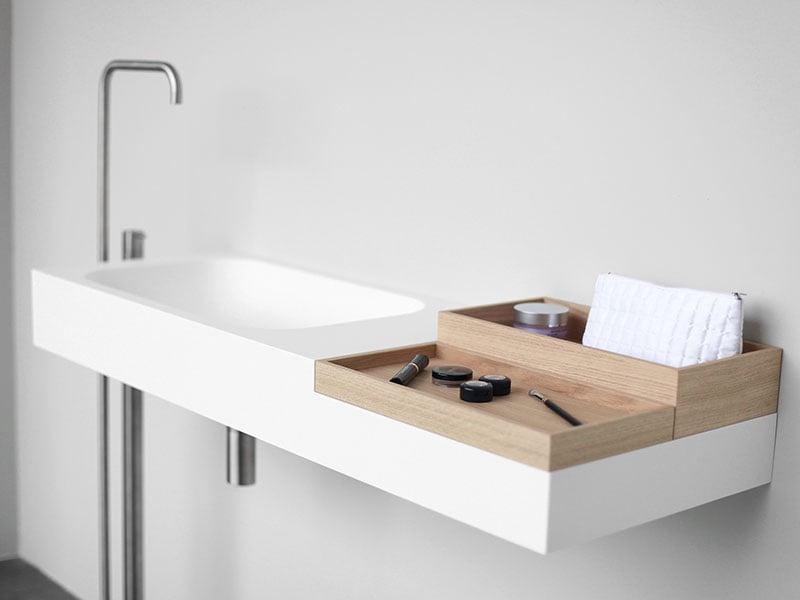 Không gian đơn giản bằng gam màu trắng của đá nhân tạo HI-MACS LG Hausys mã S028 khi ứng dụng phong cách tối giản vào không gian nhà tắm