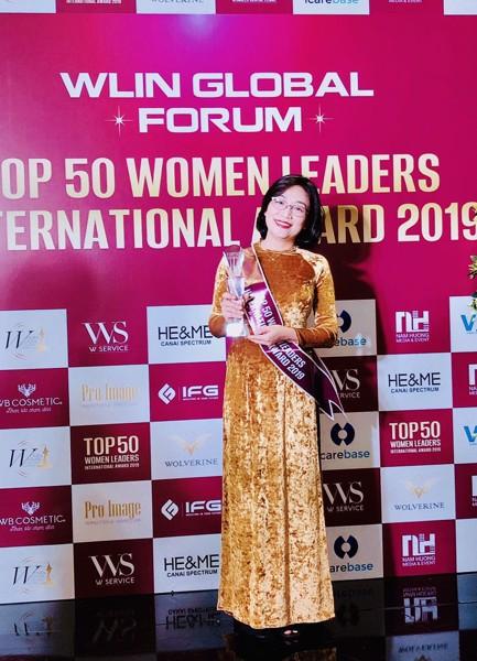 Ms Nông Vương Phi nhận giải top 50 women leader
