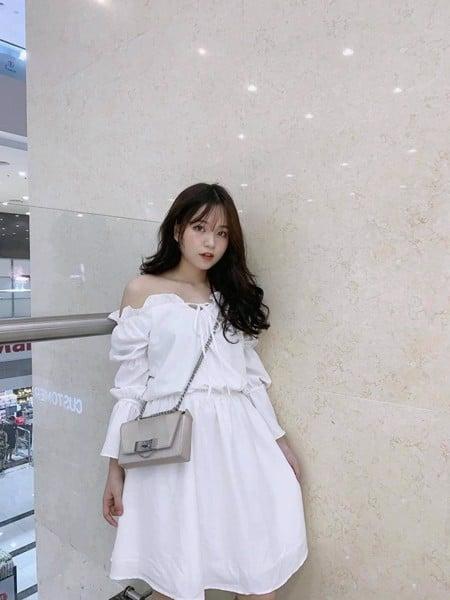 Đầm kiểu trễ vai trắng tay lửng