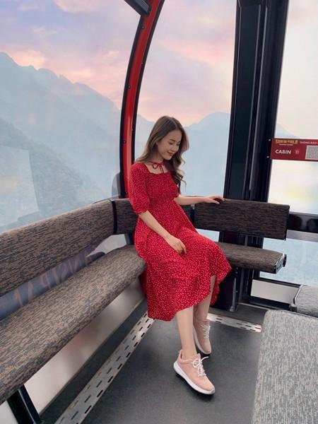 Đầm kiểu bi đỏ nhún thun ngực thắt nơ 1