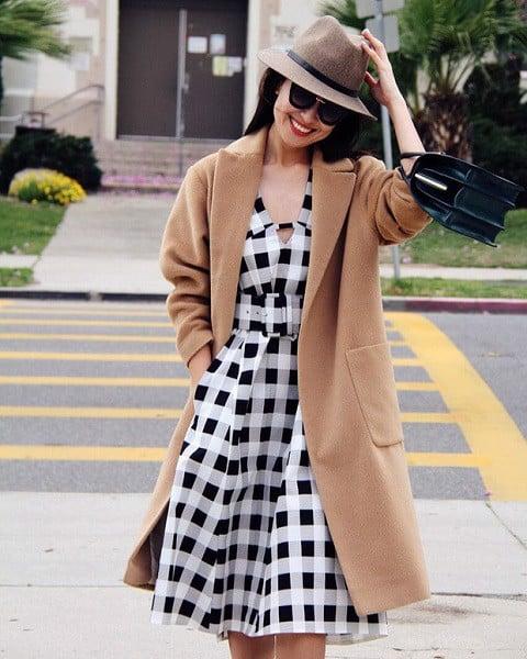 Cách Phối Áo Khoác Mặc Với Váy Mùa Đông Tuyệt Đẹp Bạn Cần Biết