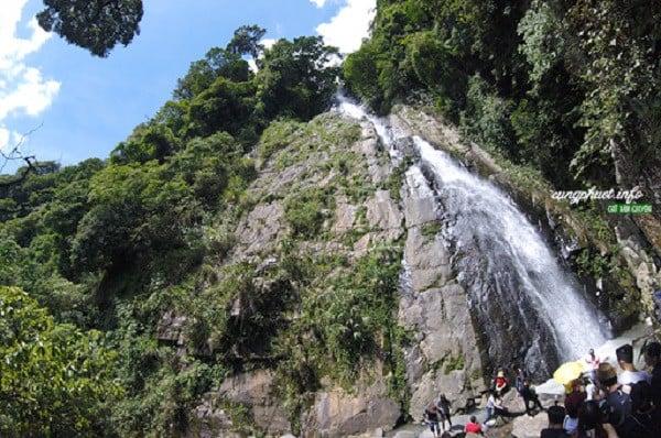 dòng thác xanh mát