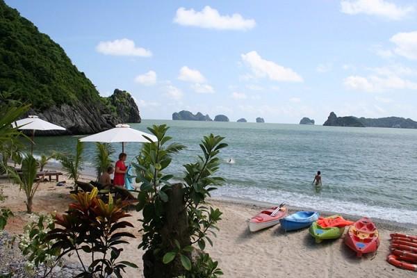 tắm biển tại đảo khỉ