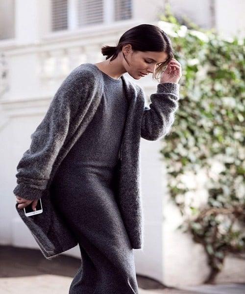 váy ôm body và áo khoác len