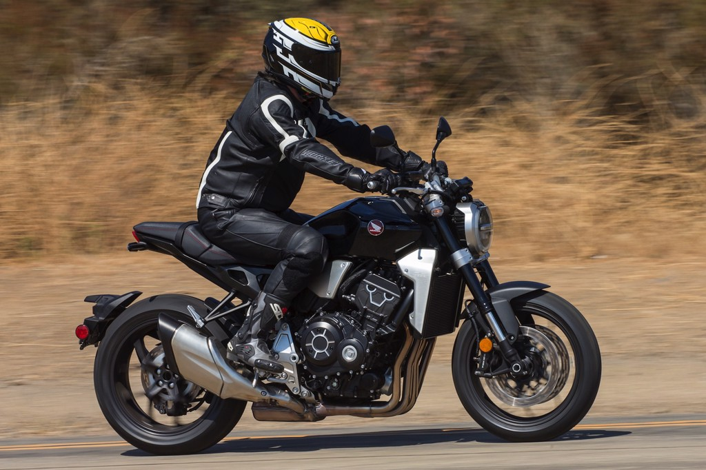 Honda CB1000R trên đường