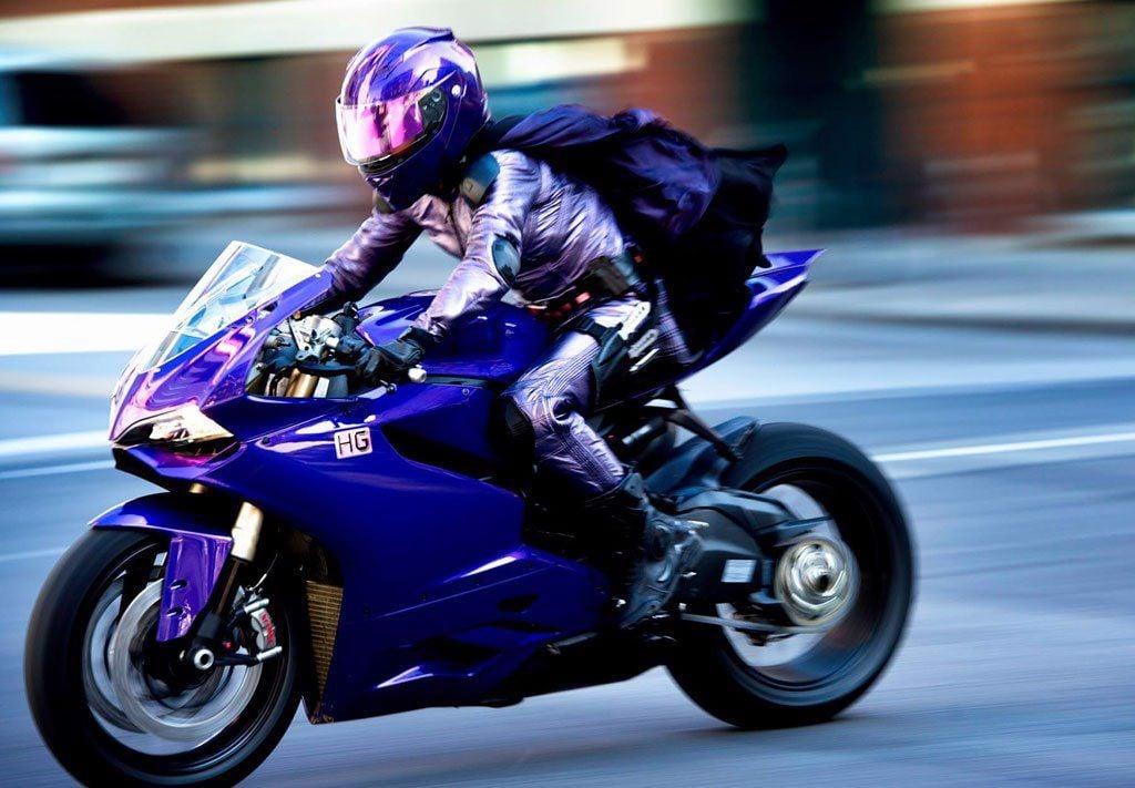 Ducati 1199 Panigale trong phim Kick-Ass 2, 2013