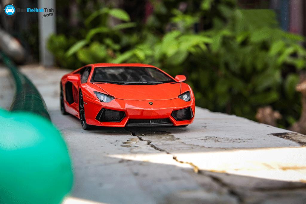 Mô hình xe Lamborghini Aventador LP700-4 1:24 Welly