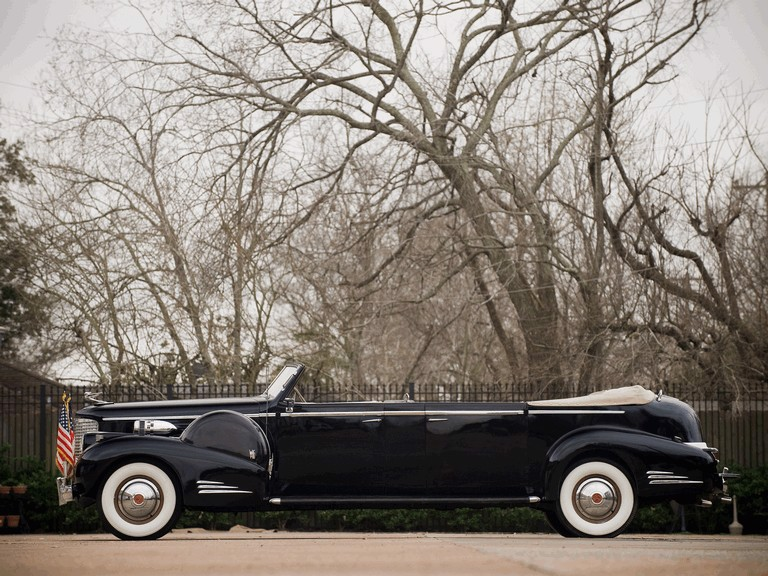 1938 Cadillac V-16 Presidential Limouse