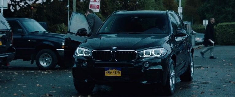 BMW X5 (F15) trong phim the commuter