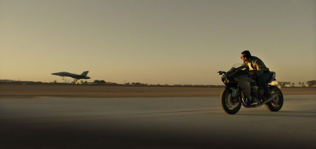 Kawasaki Ninja H2R trong phim Top Gun 2