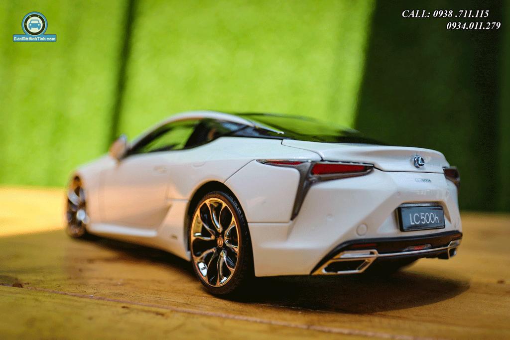 Mô hình xe Lexus LC500h 1:18 Dealer